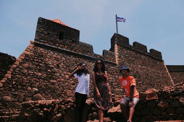 Eu, Juliana e Vivi (equipe vem90) Visitando a Cidade Velha.